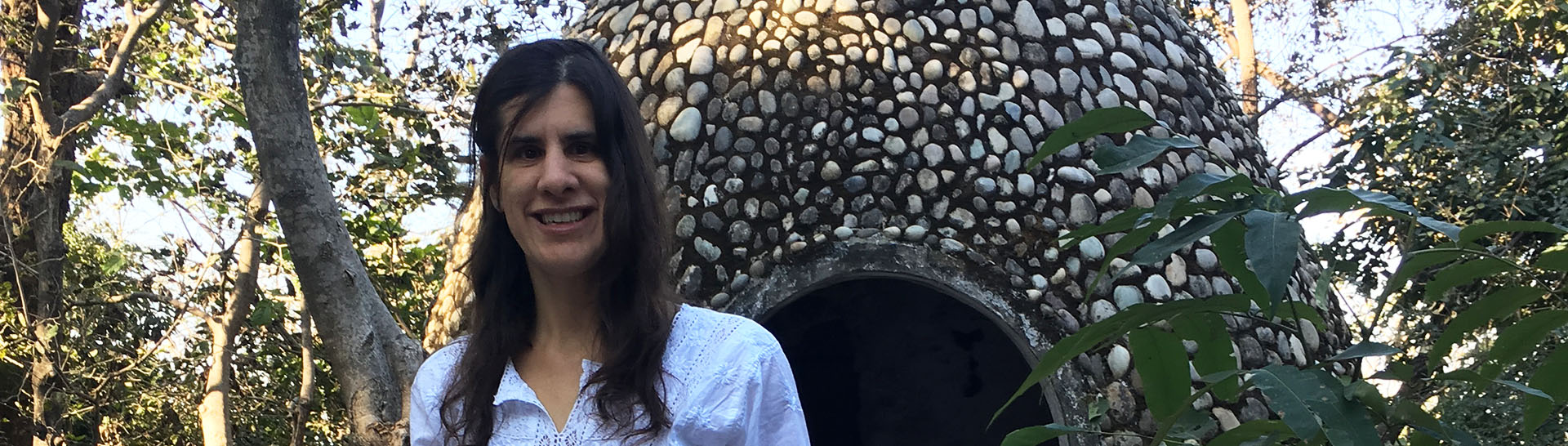 Zel in front of domed stone structure